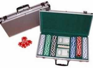 300 PIECE POKER CHIPS WITH ALUMINIUM CASE